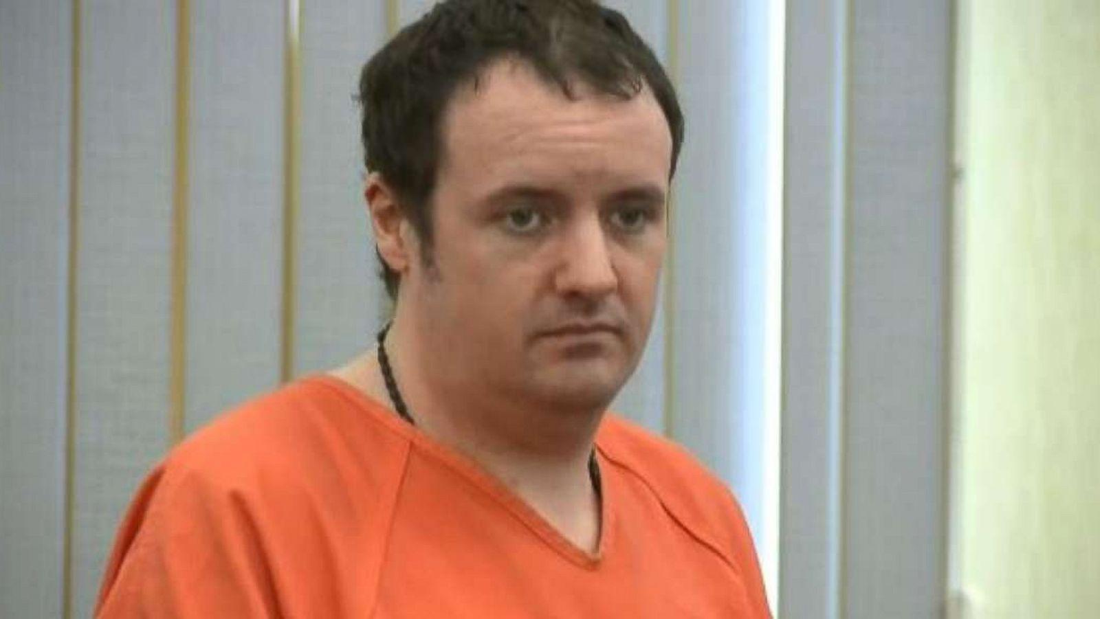 El acusado de doble asesinato, Timothy Verrill, en una de las audiencias ante el juez (Captura ABC News)