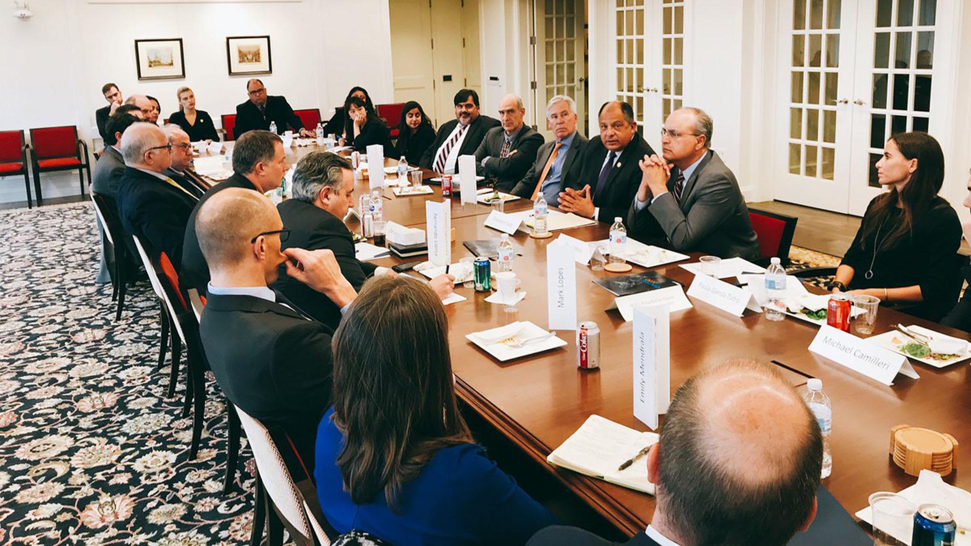 El evento estuvo coordinado por el Penn Biden Center y la Universidad Internacional de Florida, y tuvo lugar en Washington (@PennBiden)