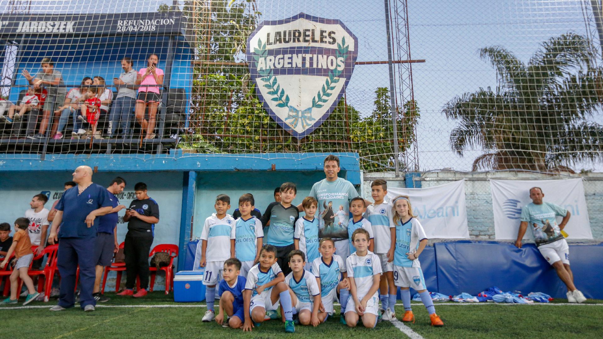 Marcelo Gallardo se hizo presente en un evento en el club Laureles Argentinos de Merlo, a tres cuadras de su casa natal, en el que se recaudaron más de 150.000 pesos