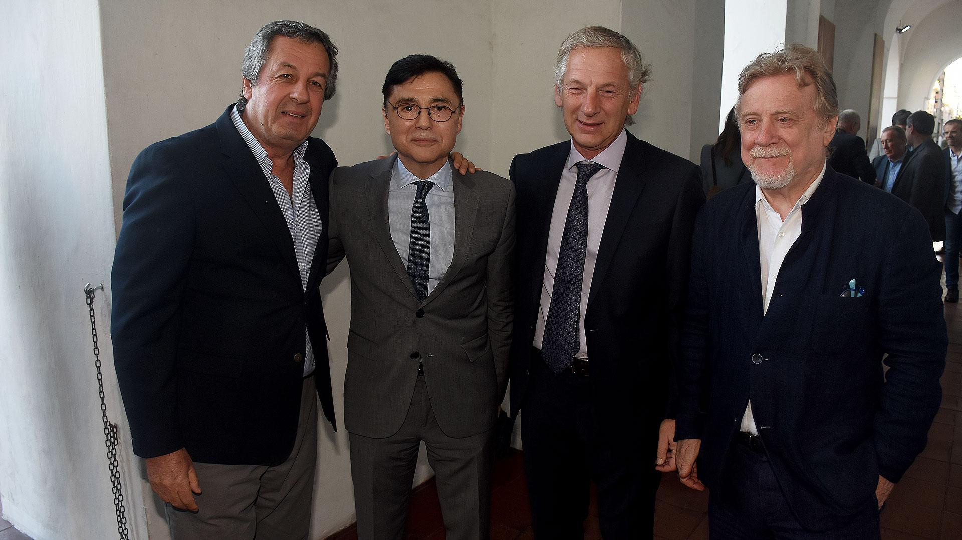 Jorge Porta, Jorge Fontevecchia, Marcelo Longobardi y Ricardo Kirschbaun,editor general del diario Clarín