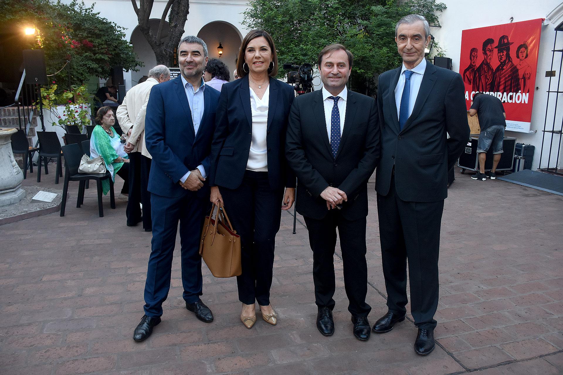 Javier Calvo, director del diario Perfil; Liliana Parodi; Néstor Sclauzero y Nelson Castro