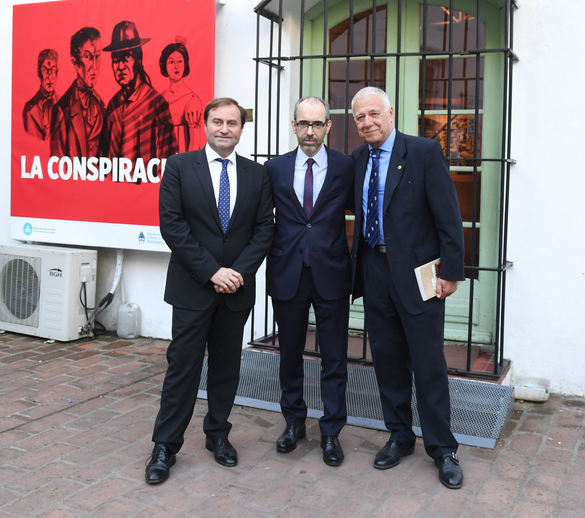 Néstor Sclauzero, Gustavo González, director periodístico de Editorial Perfil, y el dirigente y periodista Carlos Campolongo