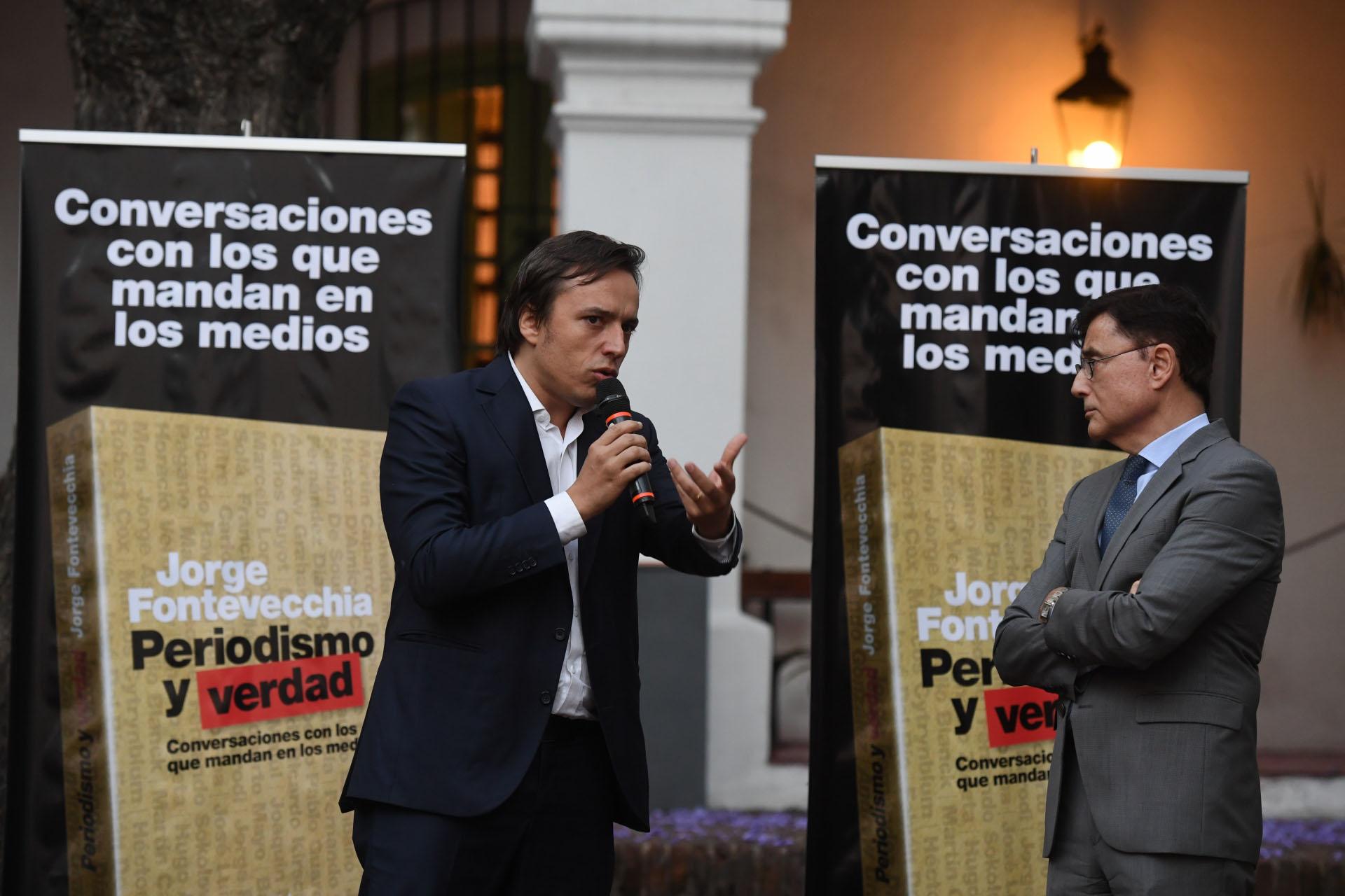 José del Río, secretario de redacción del diario La Nación, junto a Fontevecchia