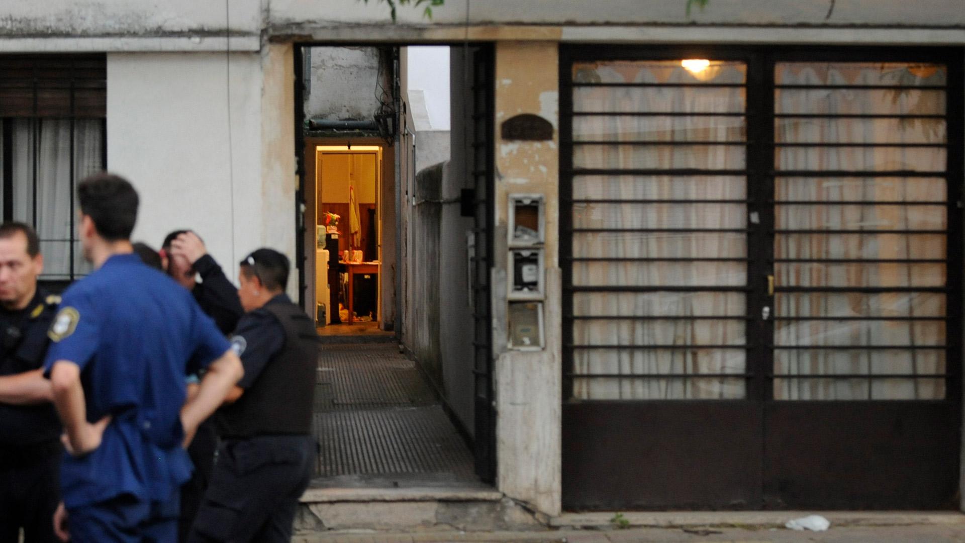 Fachada de la vivienda de la víctima (Fotos: Dino Calvo)