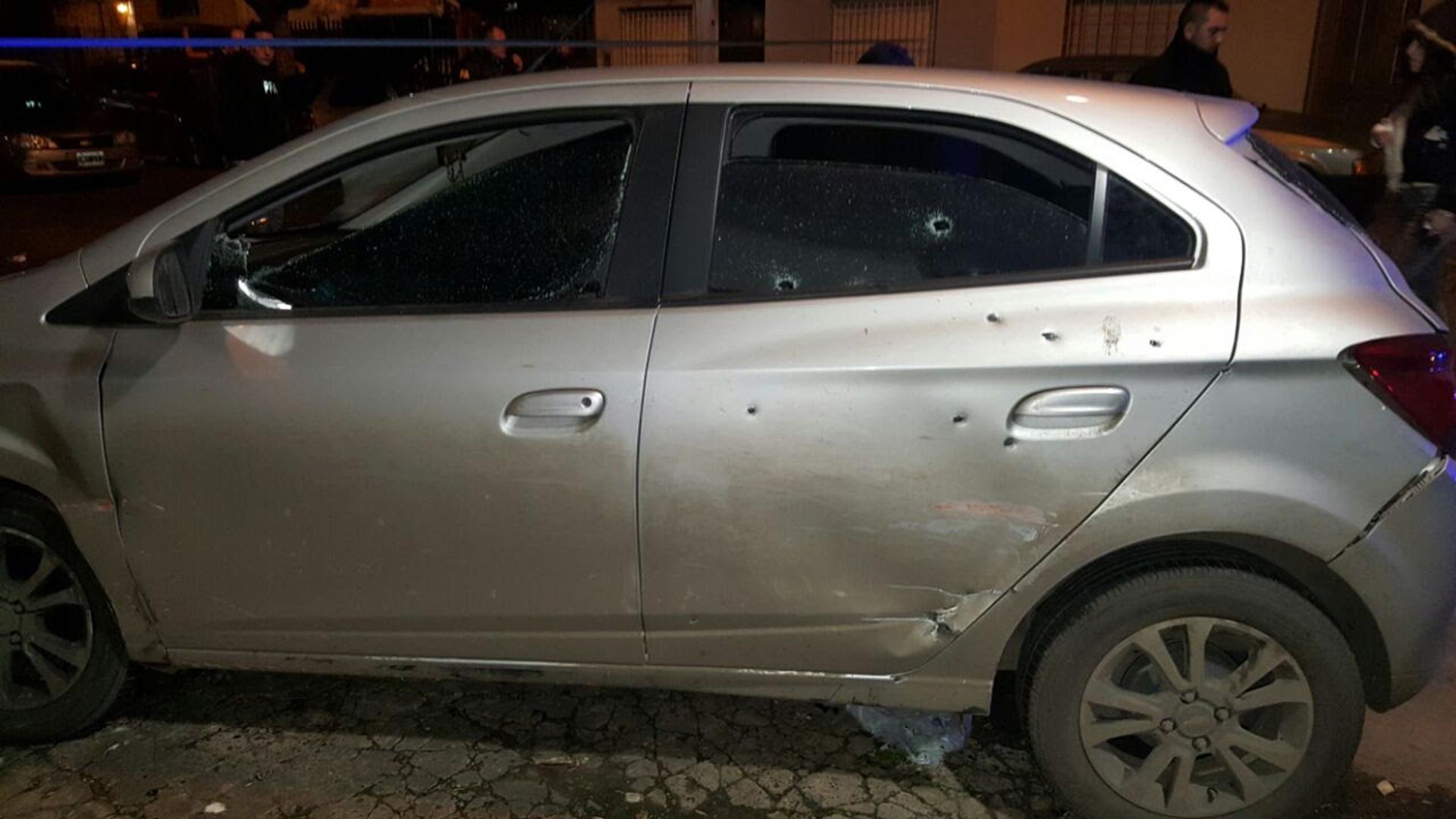 Un Chevrolet registro de la balacera en la que resultó herido el subcomisario de la Policía Federal Santos Díaz