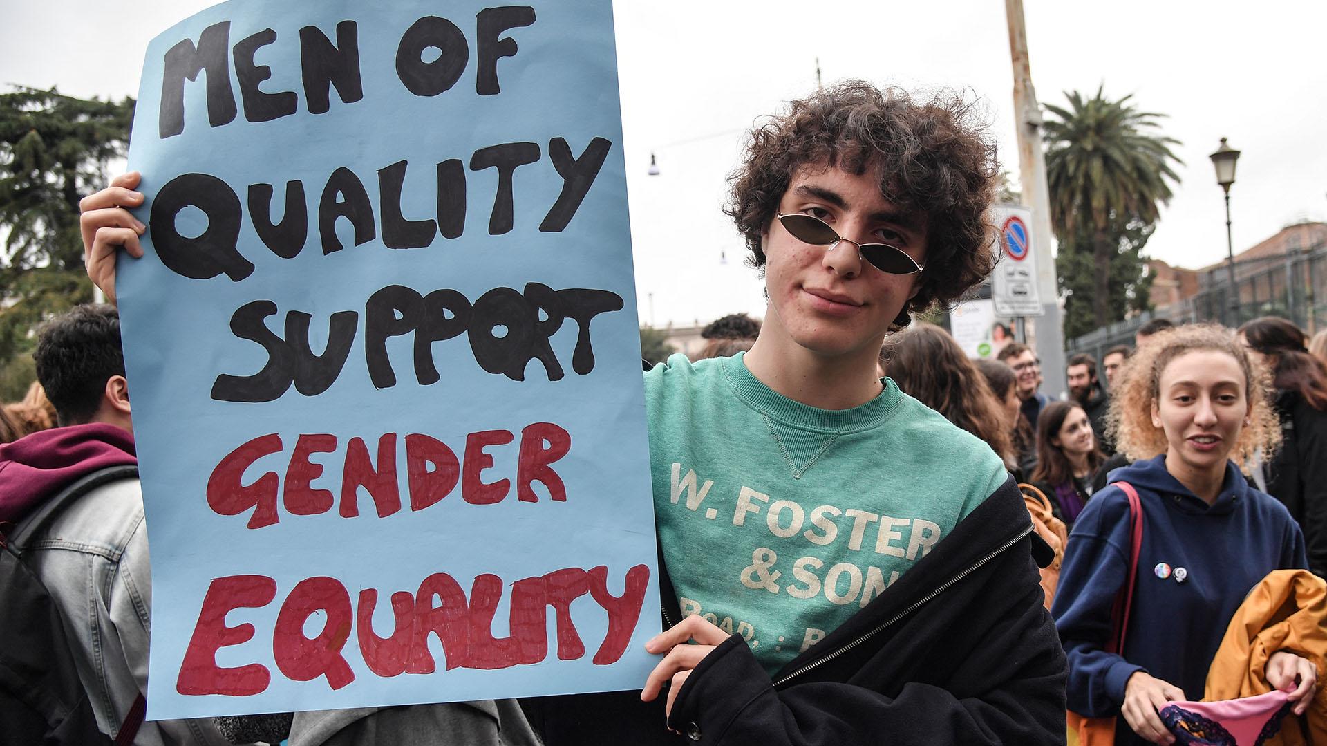 Los hombres también se acercaron a las manifestaciones para respaldar la lucha igualitaria