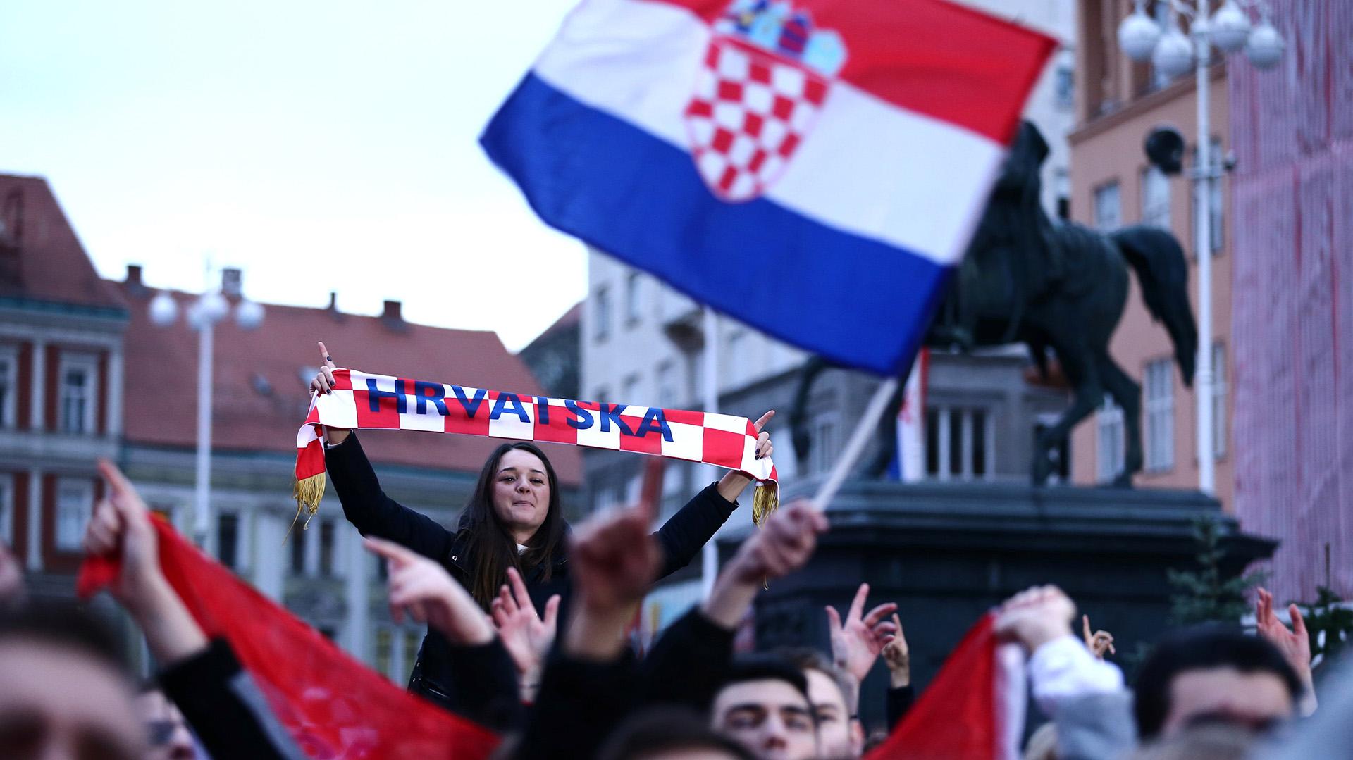 """""""Es fenomenal ser campeón mundial, ser recibido de esta forma, esto es como un sueño. ¡Estamos orgullosos de haber traído este trofeo a Croacia!"""", declaró Cilic, ovacionado por la multitud"""