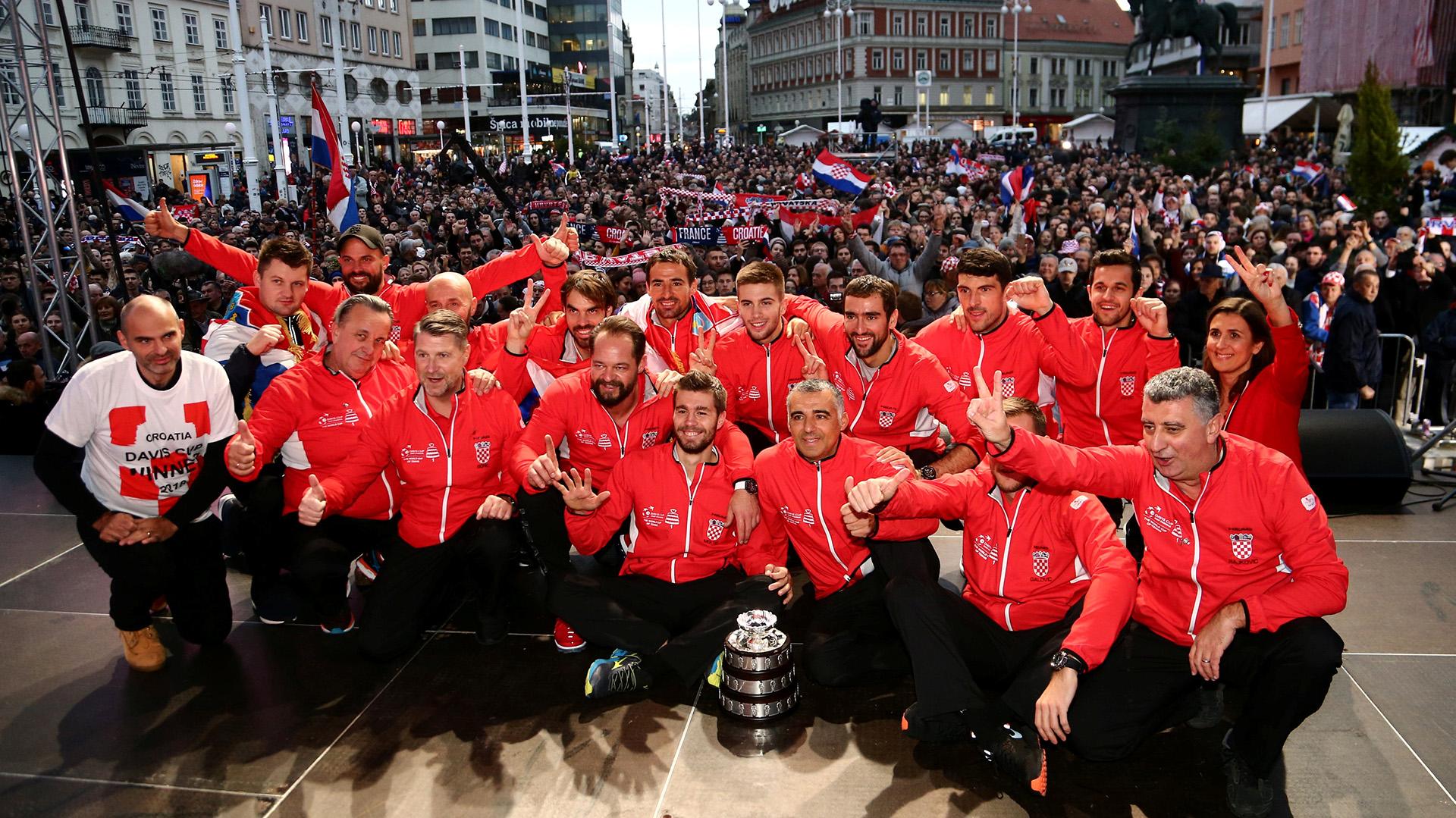 Los croatas se llevaron el título al derrotar a los galos por 3-1 en la final, luego de la victoria de Marin Cilic en tres sets a Lucas Pouille (7-6 (7/3), 6-3, 6-3) en el cuarto partido, celebrado este domingo en Lille