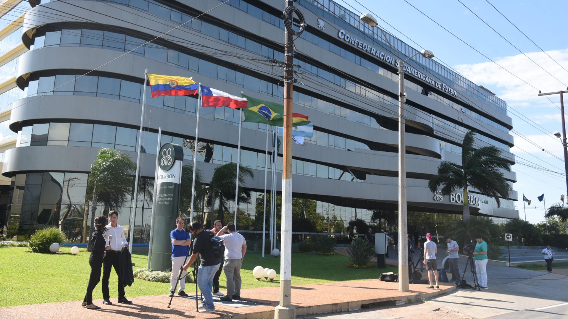 La Superfinal de la Libertadores se juega en las oficinas de la Conmebol en Luque (Dani Duarte)