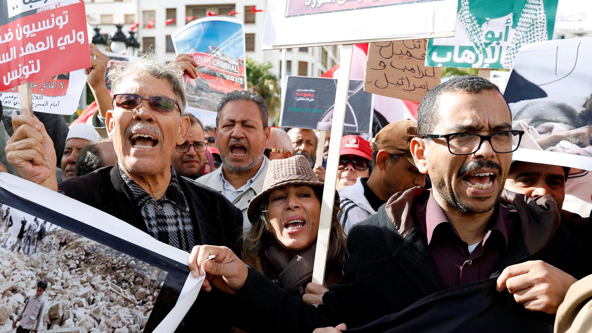 Protestas en Túnez contra Mohamed bin Salman (REUTERS/Zoubeir Souissi)