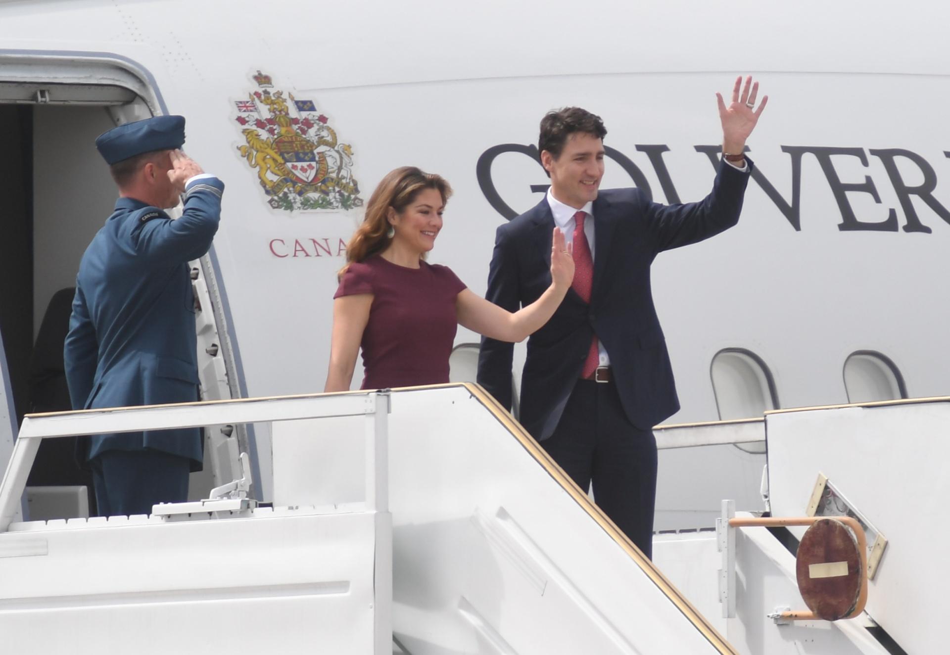 Justin Trudeau, primer ministro de Canadá, aterrizó minutos antes de las 10 en Ezeiza