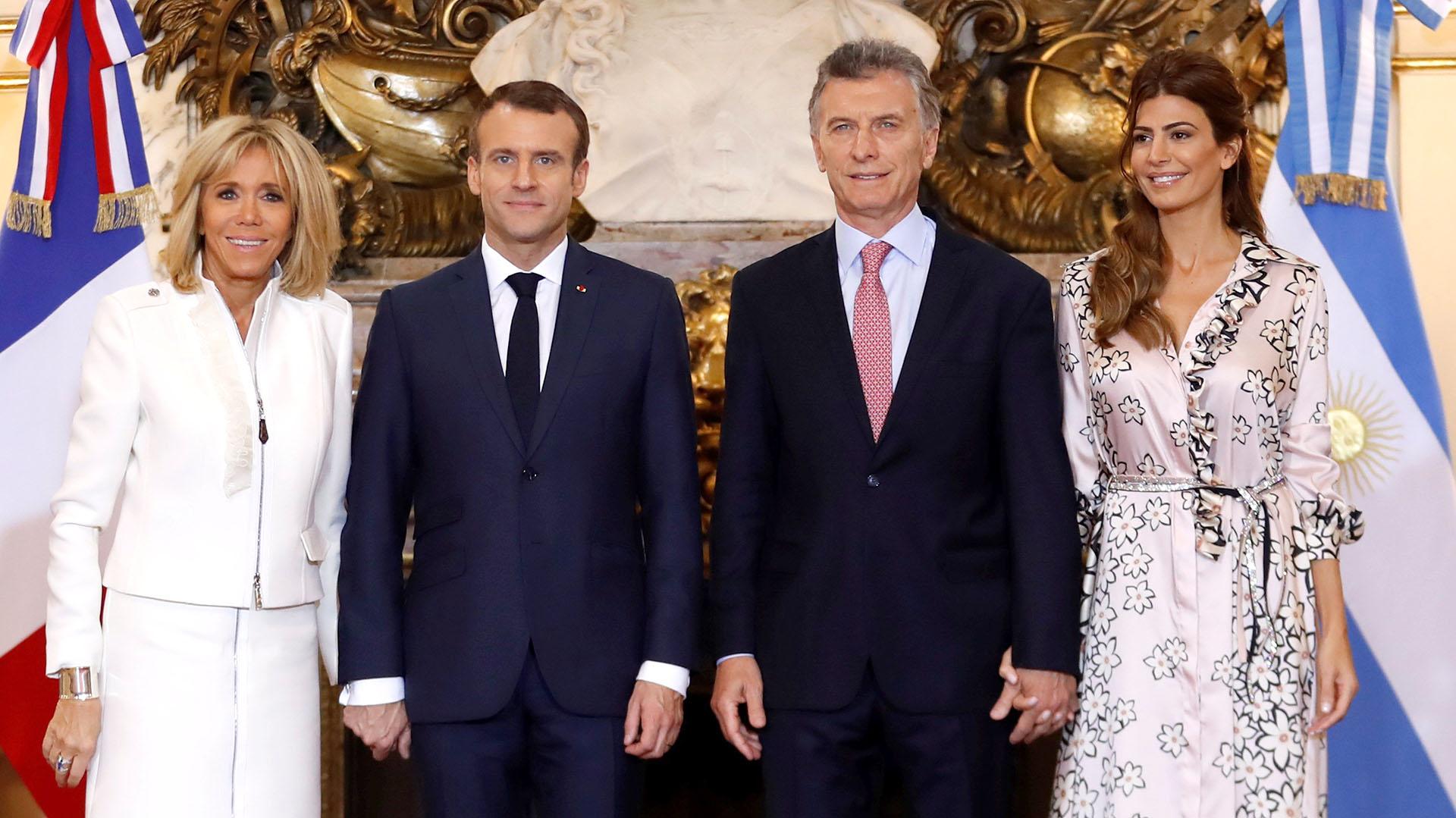 El presidente argentino, Mauricio Macri, y su esposa Juliana Awada, reciben en la Casa Rosada al presidente de Francia, Emmanuel Macron y a su esposa, Brigitte
