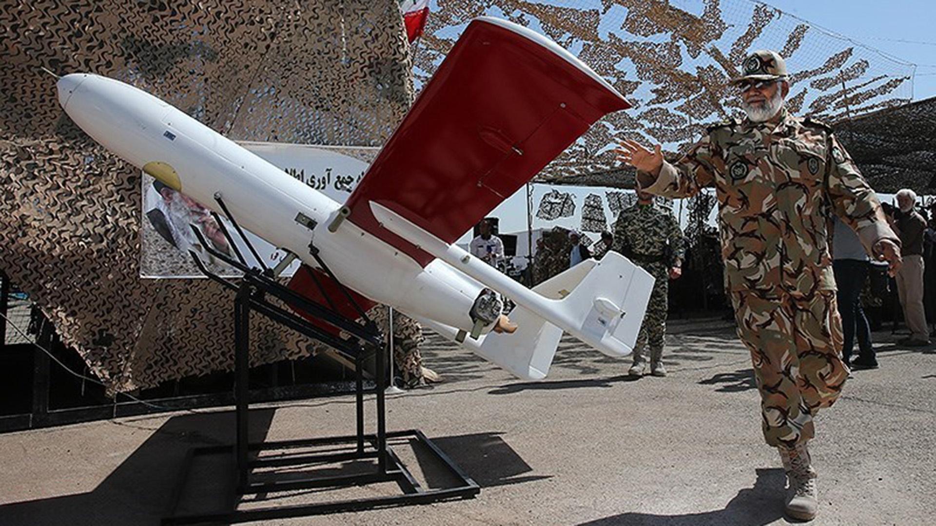 Drone iraní Mohajer-2 Foto: Tasnim Agency News Wikimedia CC BY 4.0 (Tasnim Agency News Wikimedia CC BY 4.0)