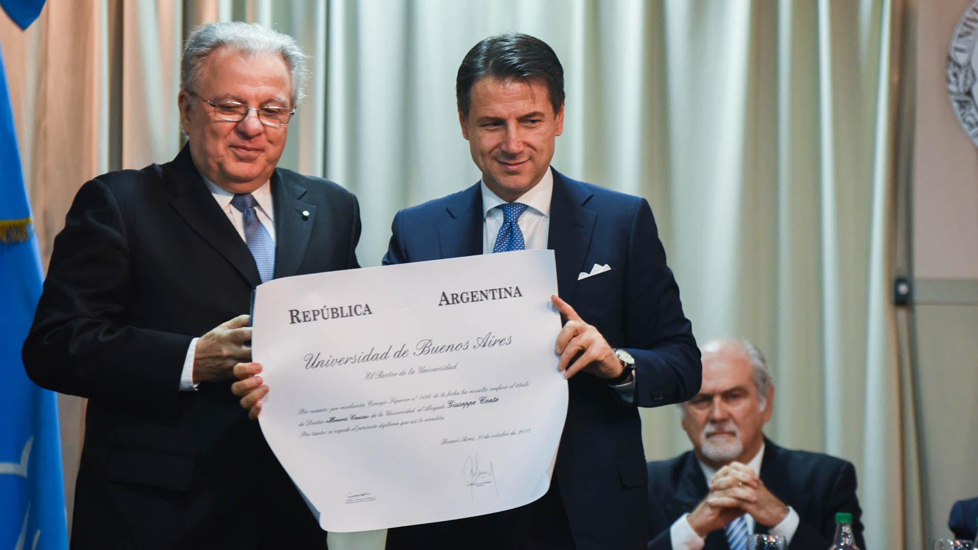 El mandatario italiano fue distinguido con un título honoris causae de la UBA