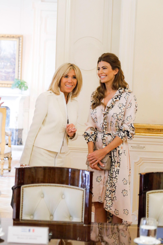 Este fue el tercer encuentro entre Juliana Awada y Brigitte Macron, ya que anteriormente habían tenido la oportunidad de reunirse en julio de 2017 en Hamburgo, cuando fue sede de la Cumbre de Líderes del G20