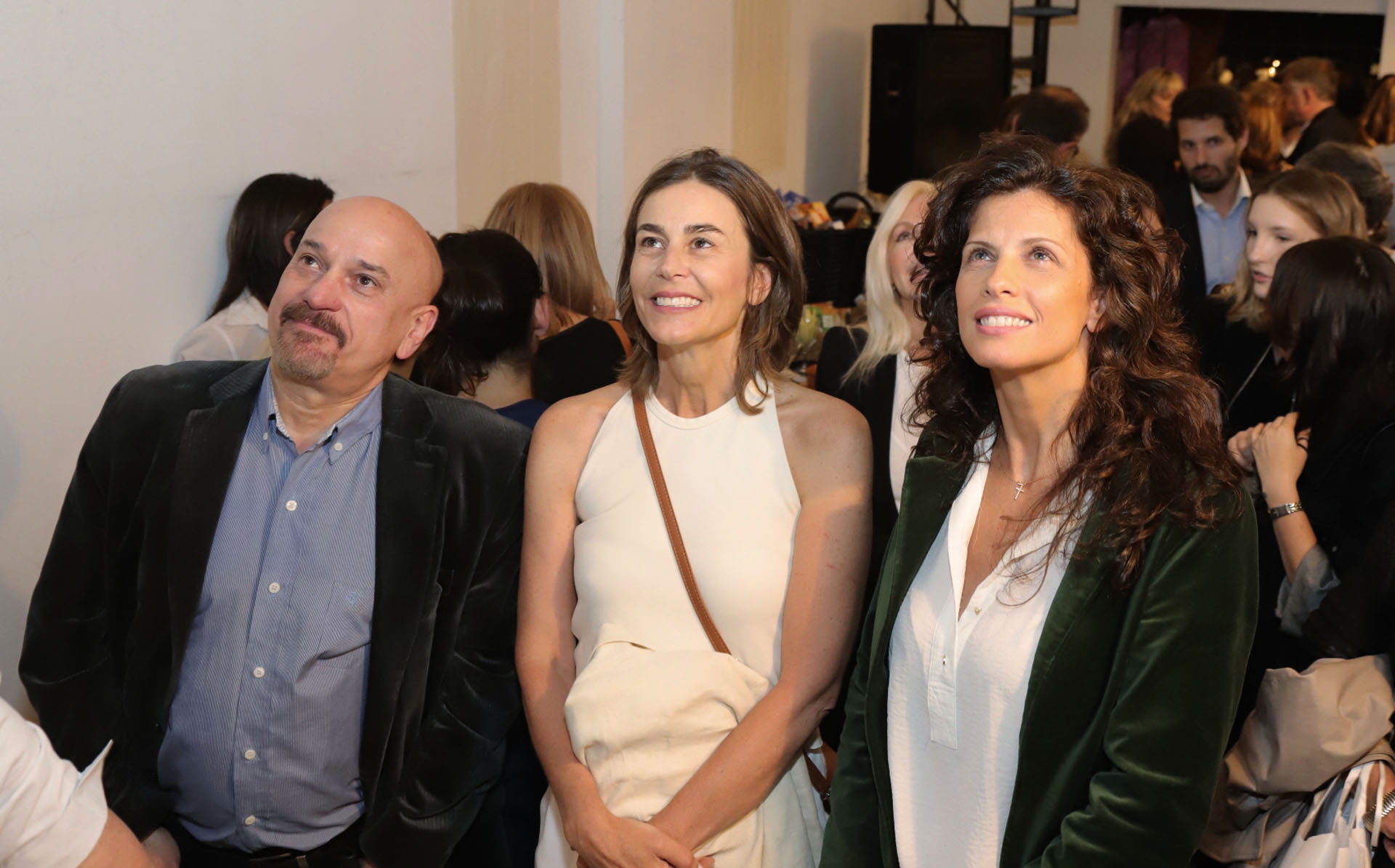 Azul García Uriburu junto a Analía Maiorana y Néstor Tedesco, director de La Orquesta de los Barrios