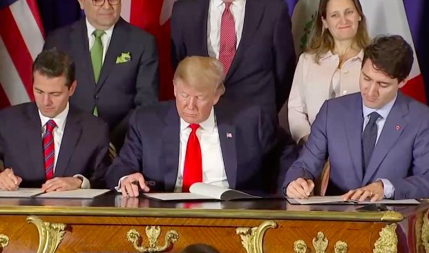 he 3 leaders have finished signing the documents and leave the stage, as their chief trade negotiators Chrystia Freeland (Canada), Robert Lighthizer (US), and Ildefonso Guajardo (Mexico) replace them in front of reporters to sign protocol documents.