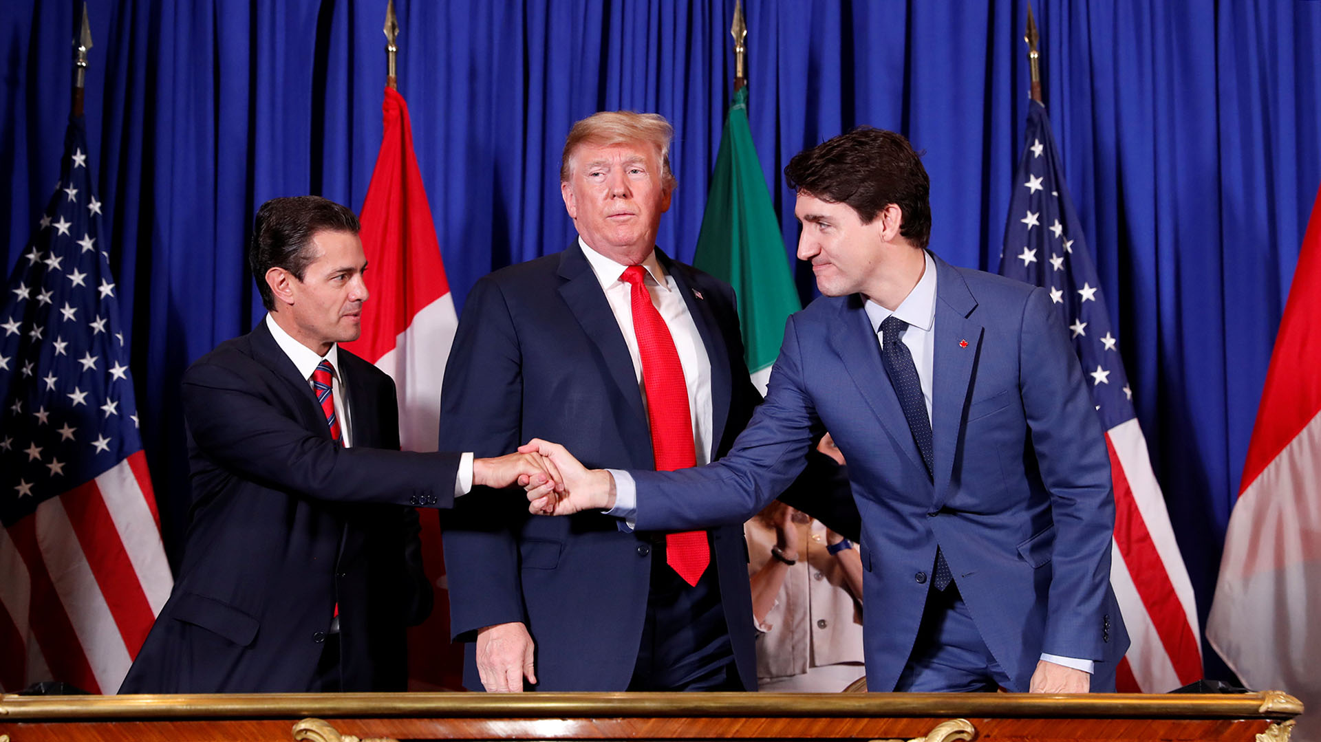 El saludo deEnrique Peña Nieto, Donald y Justin Trudeau