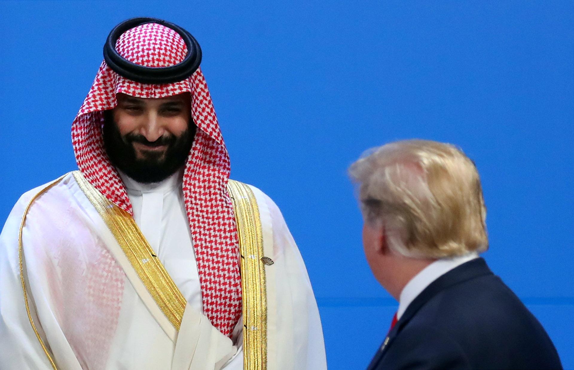 Mohammed bin Salman saluda a Trump