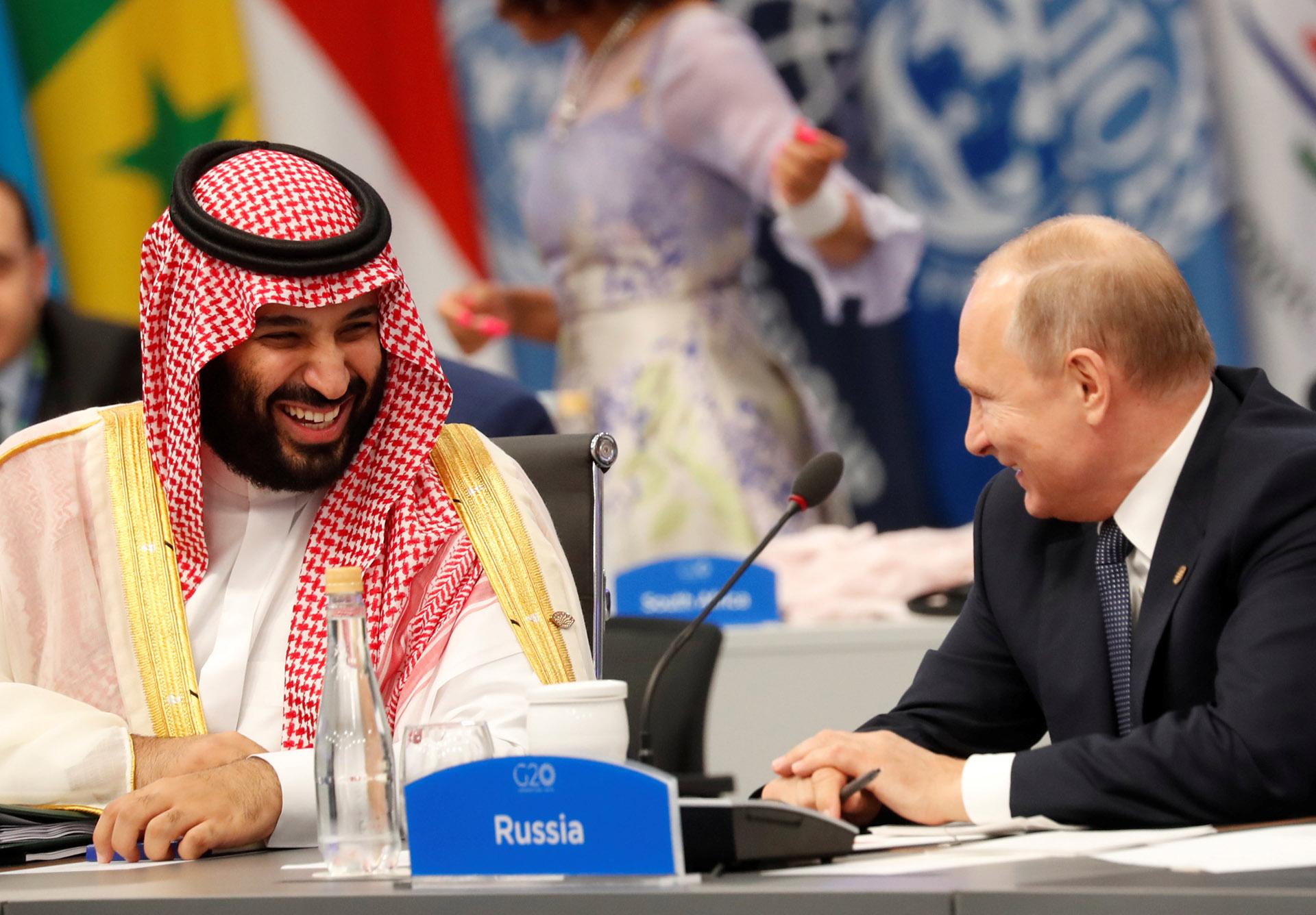 Bin Salman y Putin comperten risas