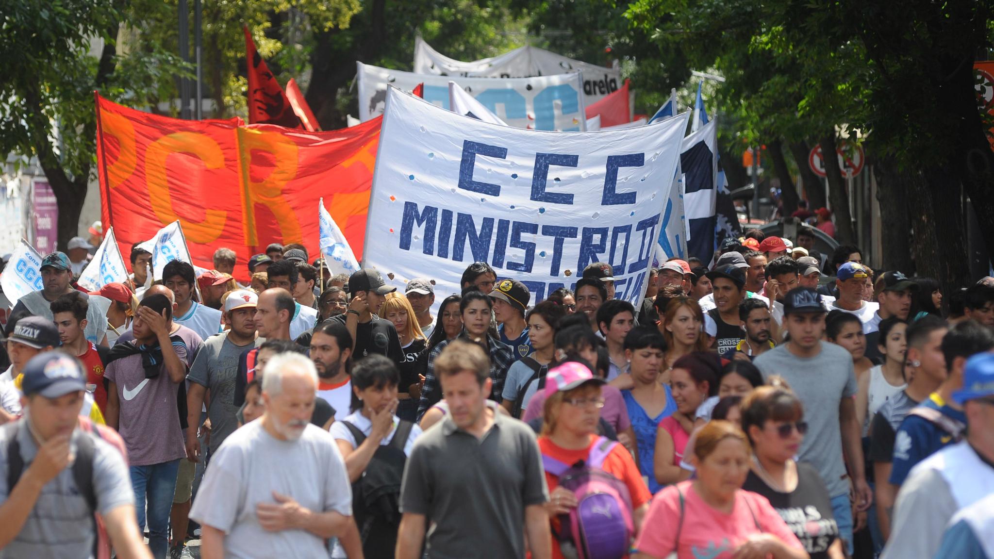 Manifestantes de la Corriente Clasista y Combativa