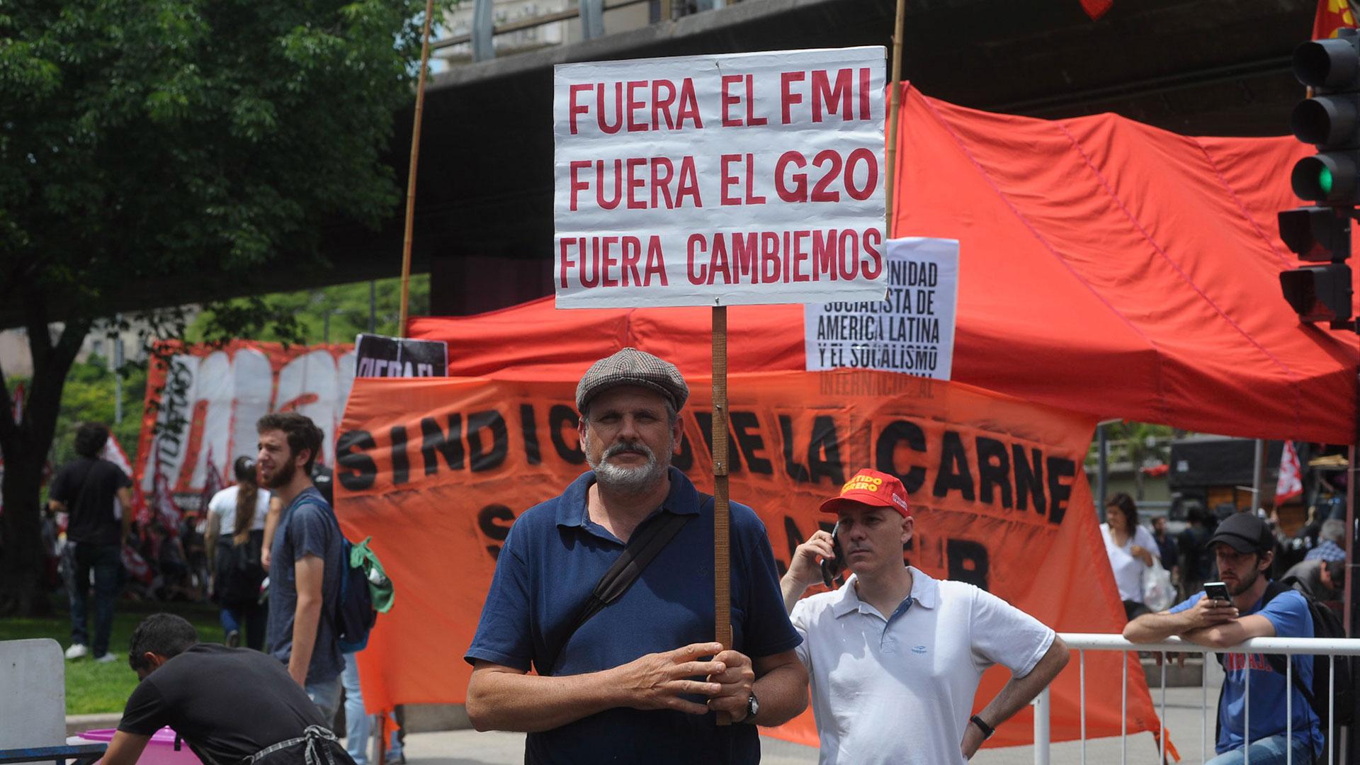 El reclamo contra el G20 incluyó también críticas a la gestión de Mauricio Macri