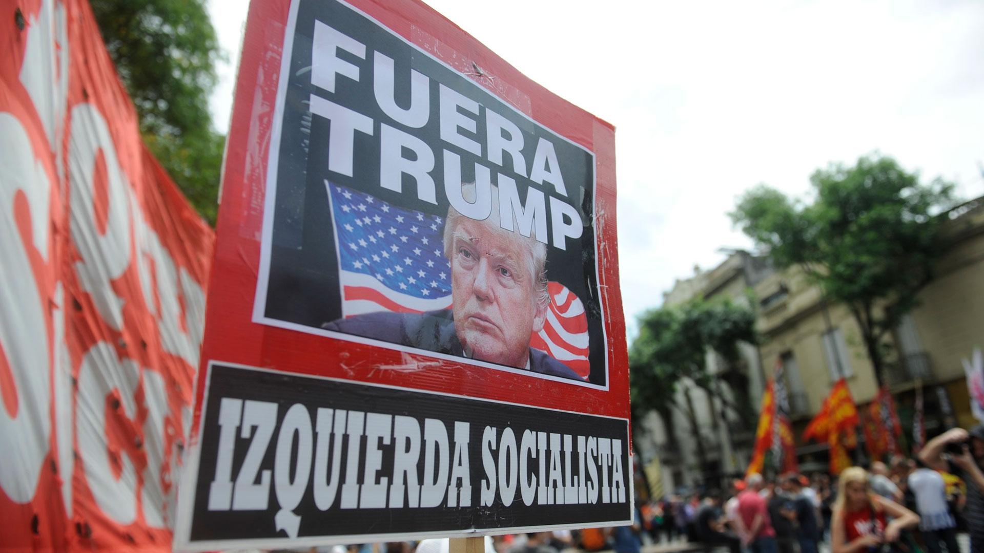 Las agrupaciones de izquierda repudiaron la presencia del presidente de Estados Unidos, Donald Trump