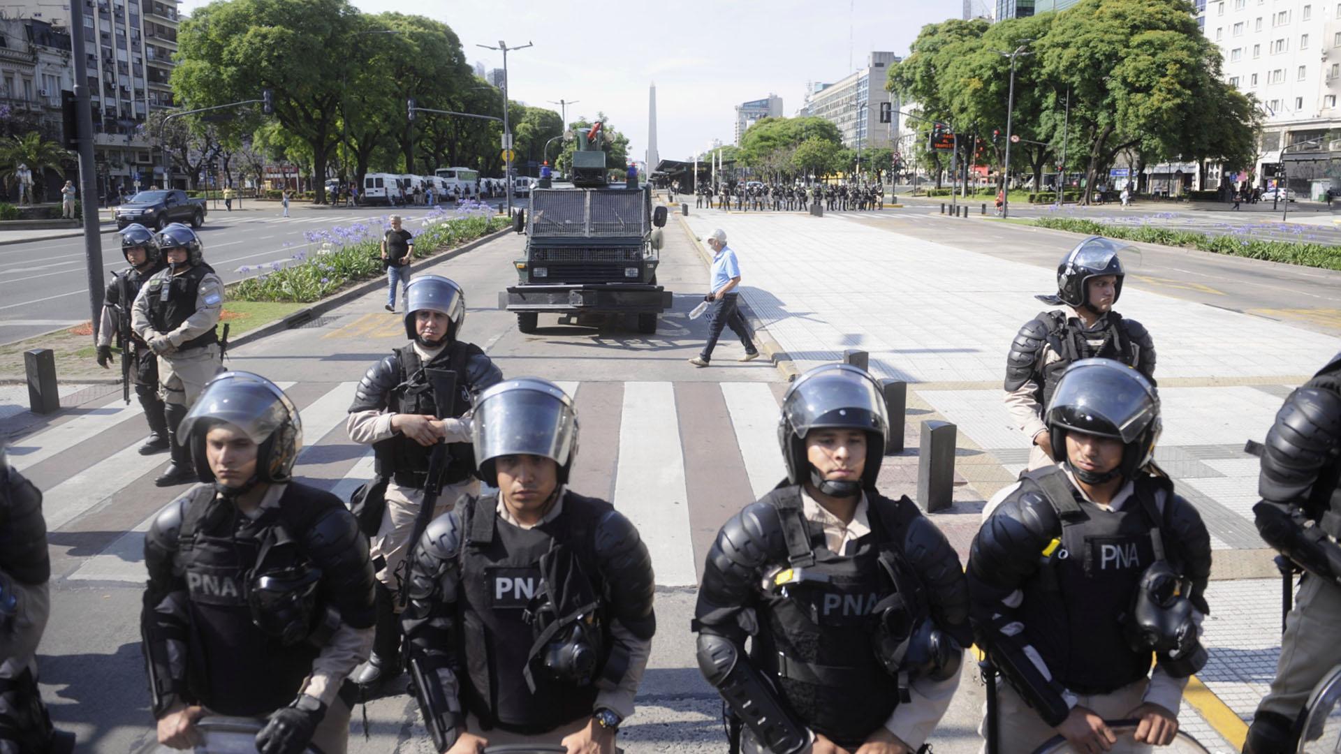 El centro de la ciudad de Buenos Aires estuvo blindado por las fuerzas de seguridad