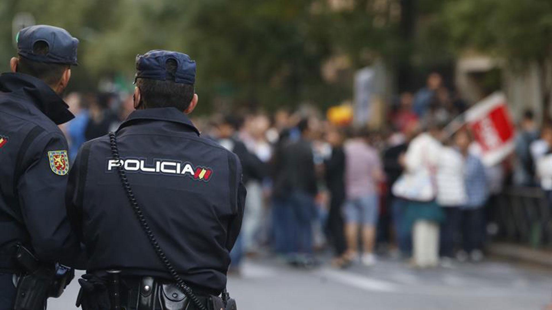 La Policía española se prepara para el gran desafío del domingo con River y Boca (EFE)