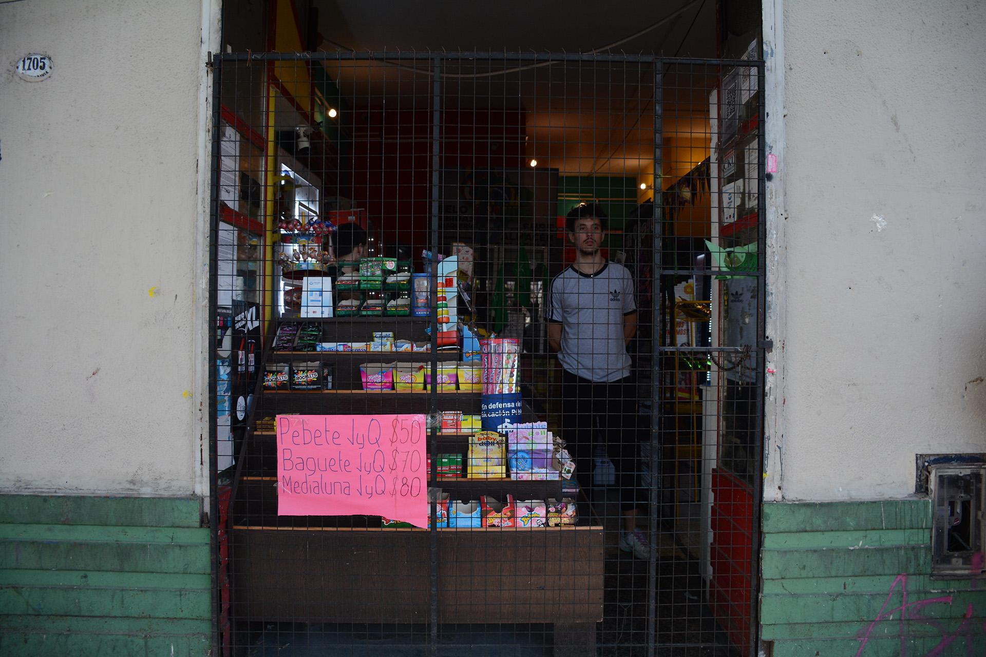 Muchos de los comercios cerraron sus puertas en la zona del centro