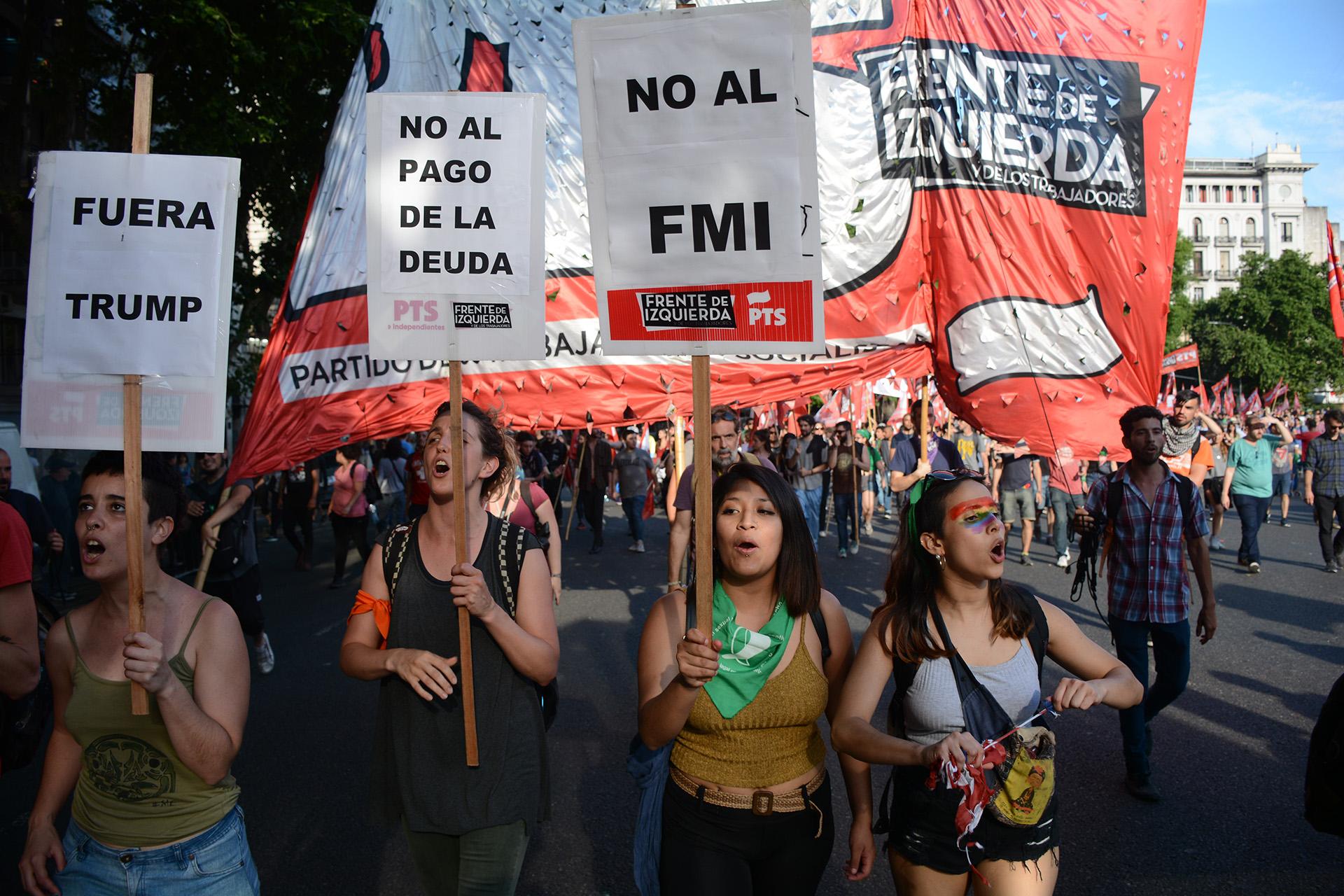 Miles de personas se movilizaron para protestar