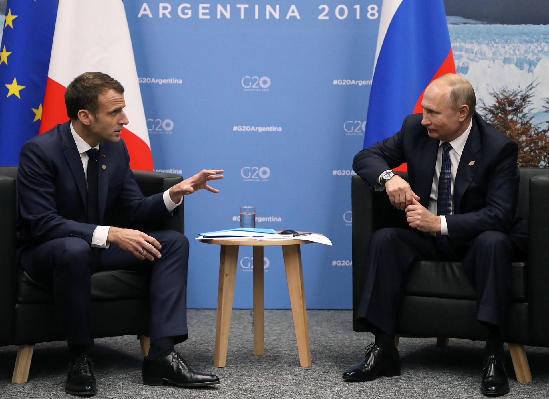 Emmanuel Macronmantuvo una reunión con Vladimir Putin