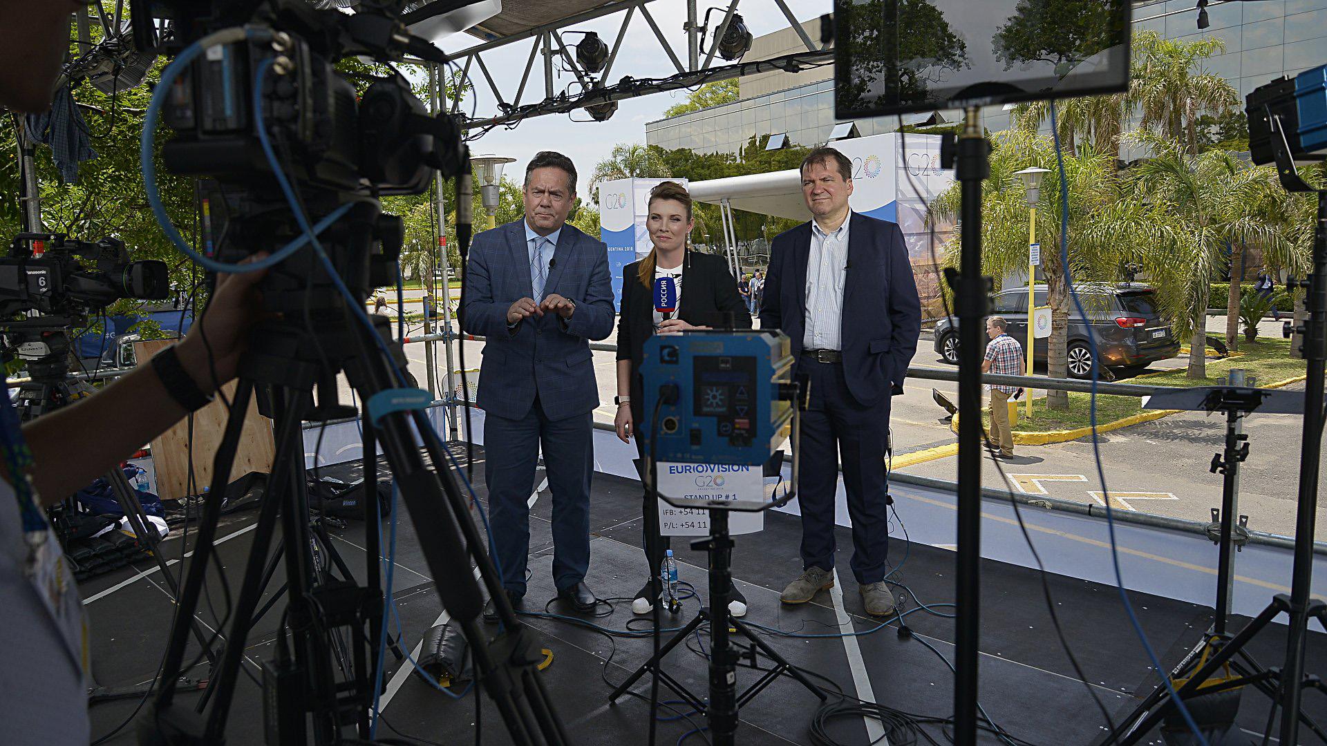 El búnker de prensa posee 4 mini sets de TV y oficinas de transmisión de Radio y TV