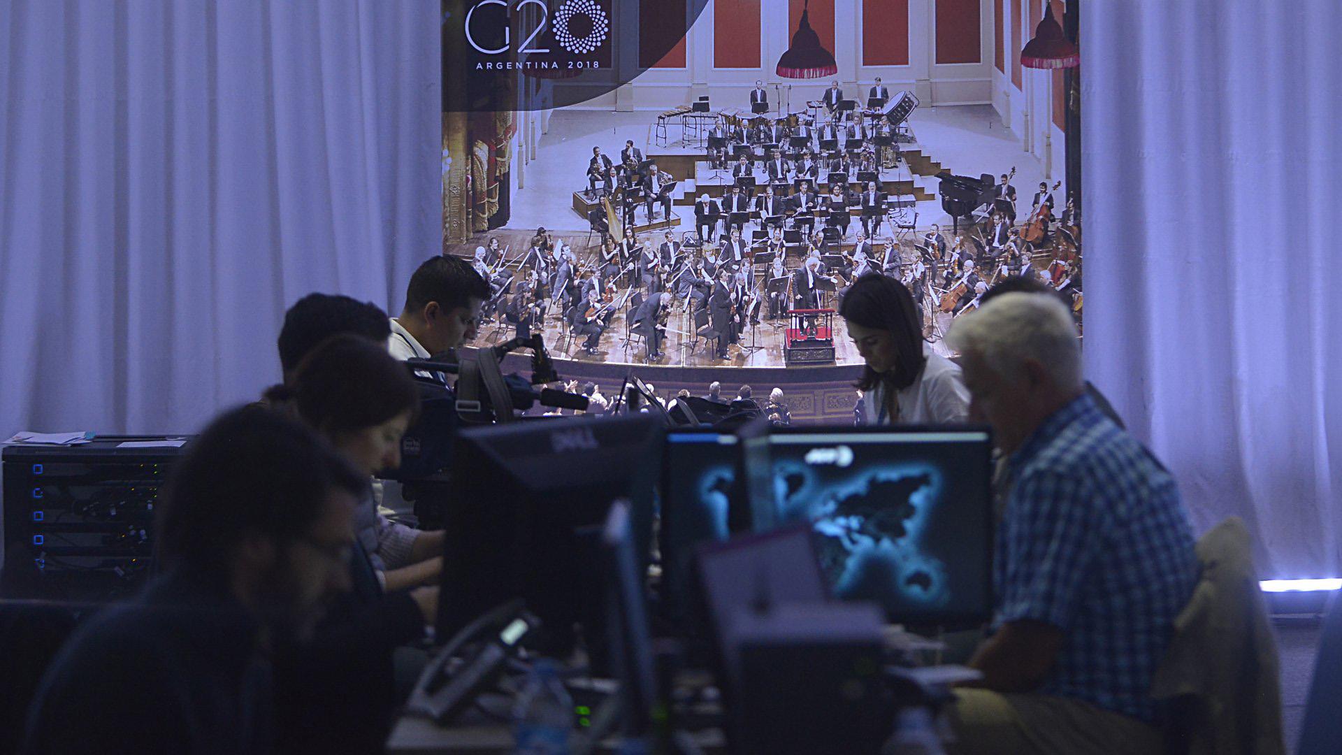 En la Sala de Prensa hubo múltiples quejas por los cortes en el servicio de internet
