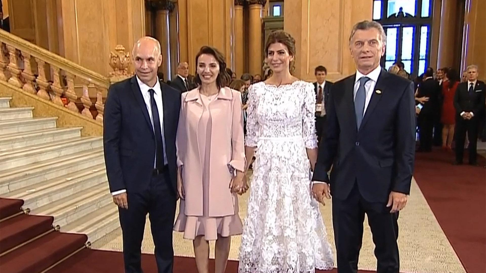 Horacio Rodríguez Larreta, Bárbara Diez, Juliana Awada y Mauricio Macri, en el foyer del Teatro Colón