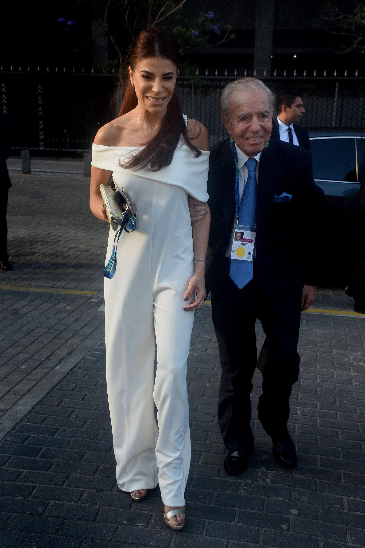Carlos Menem llegó acompañado por su hija Zulemita