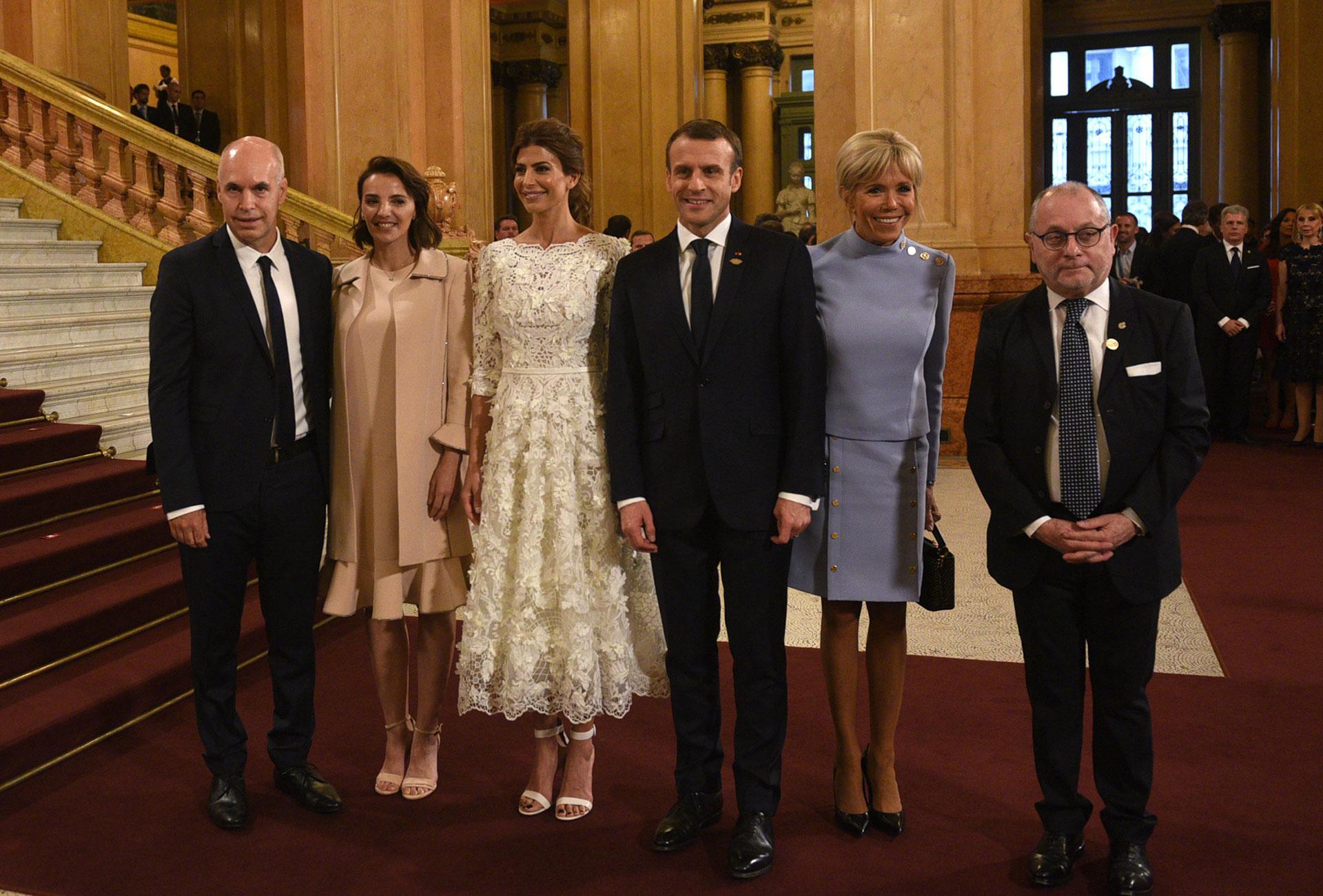 El jefe de Gobierno porteño, Horacio Rodríguez Larreta, junto a su mujer Bárbara Diez; Juliana Awada; Emmanuel y Brigitte Macron, y el canciller Jorge Faurie