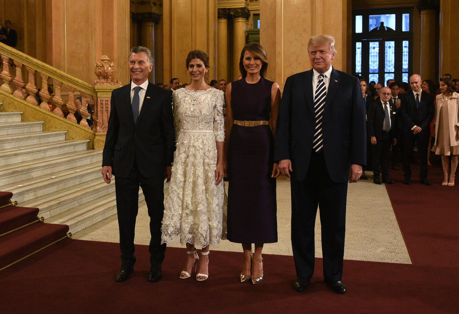 El Presidente Mauricio Macri y la Primera Dama, Juliana Awada, reciben al presidente de los Estados Unidos, Donald Trump, y su mujer Melania