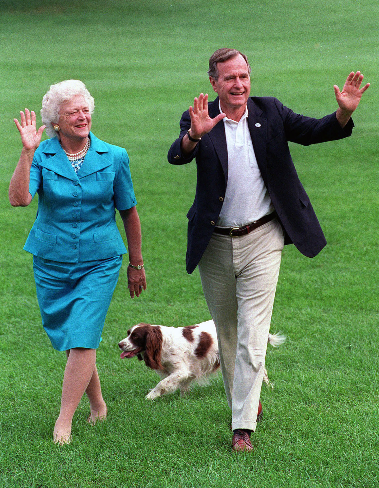 George H.W. Bush y Barbara Bush en la Casa Blanca. (AP Photo/Scott Applewhite)