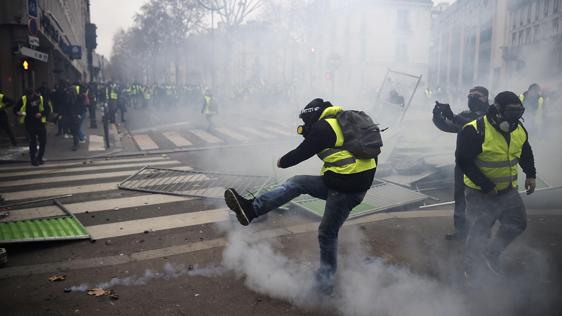 La policía reprimió las manifestaciones (Lucas BARIOULET / AFP)