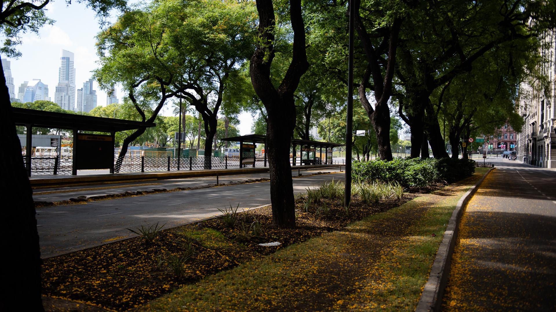 Una postal de la ciudad de Buenos Aires. Calma y vacío