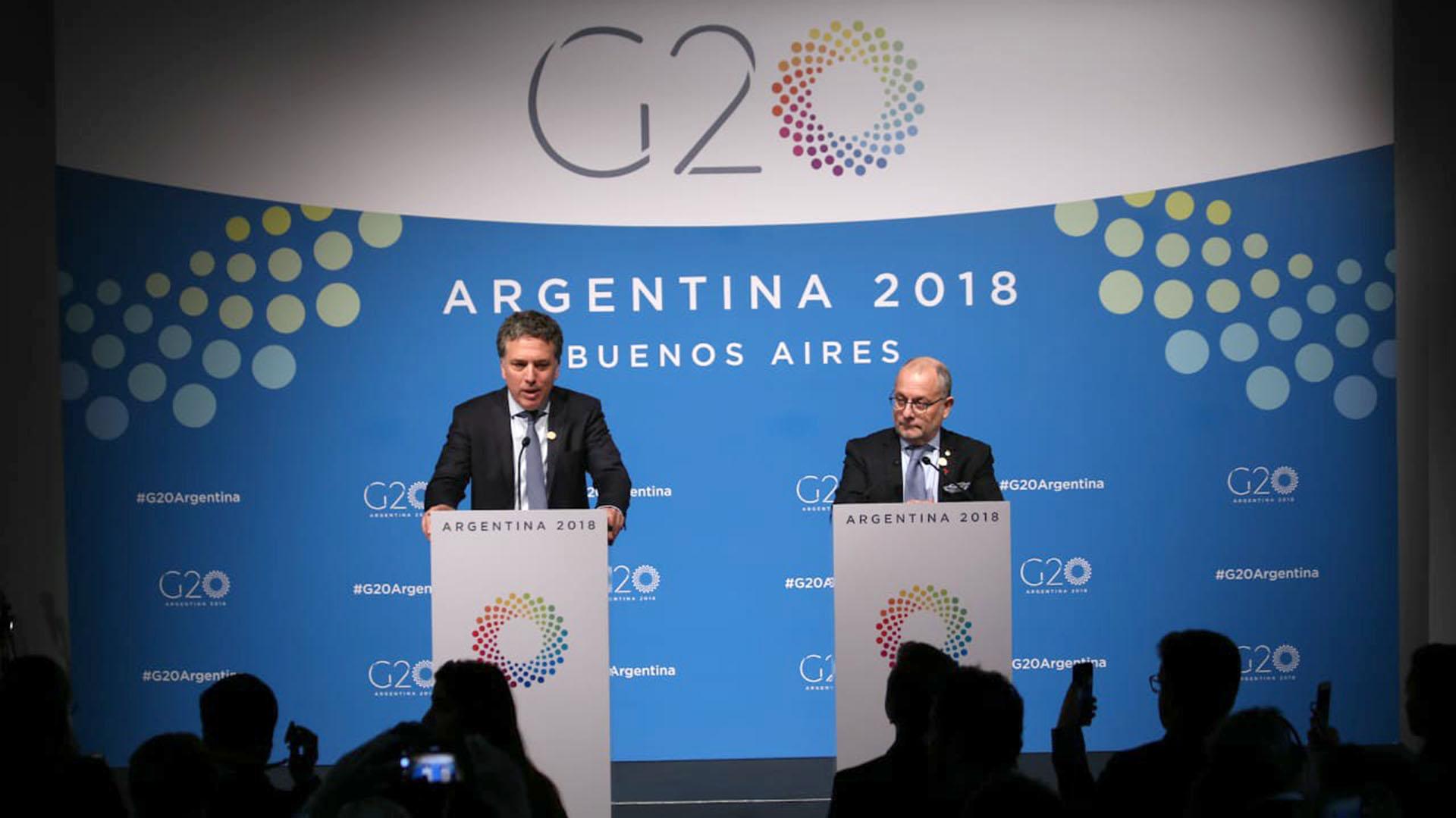 La economía Argentina está muy complicada. Tiene que encarar reformas muy profundas como para que vengan inversiones, los ministros Nicolás Dujovne y Jorge Faurie tienen la misión de mejorar y difundir el clima de negocios