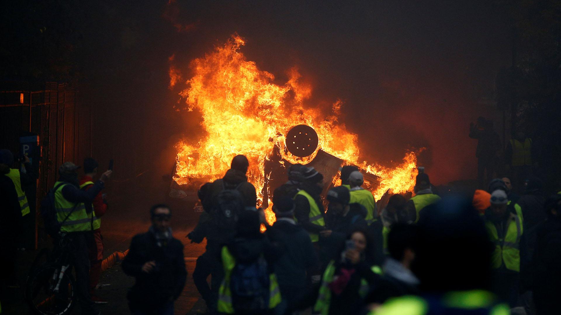 """Las protestas de """"Los Chalecos Amarillos"""" en París"""