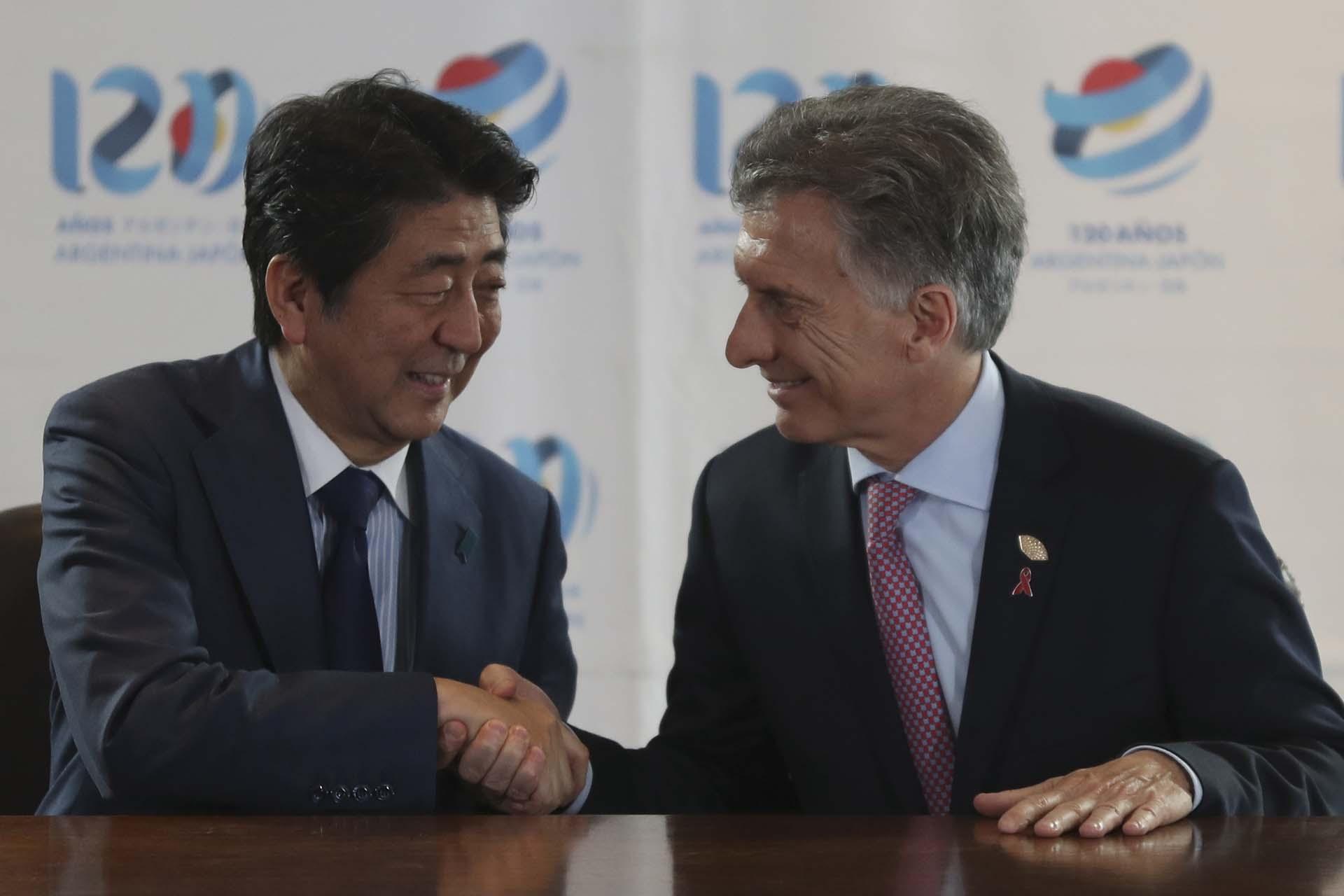 El primer ministro de JapónShinzo Abey Mauricio Macri firmaron convenios bilaterales