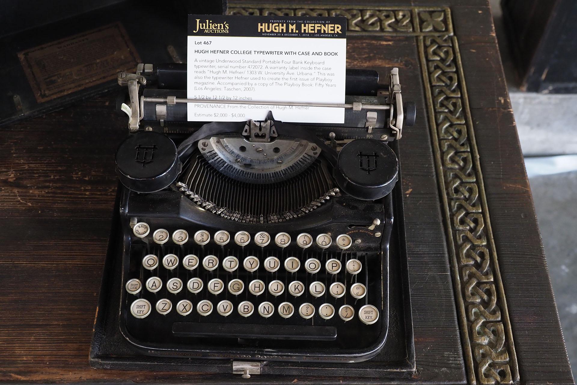 La máquina de escribir, utilizada por Hefner para redactar el primer número de su revista en 1953, se vendió por 162.500 dólares