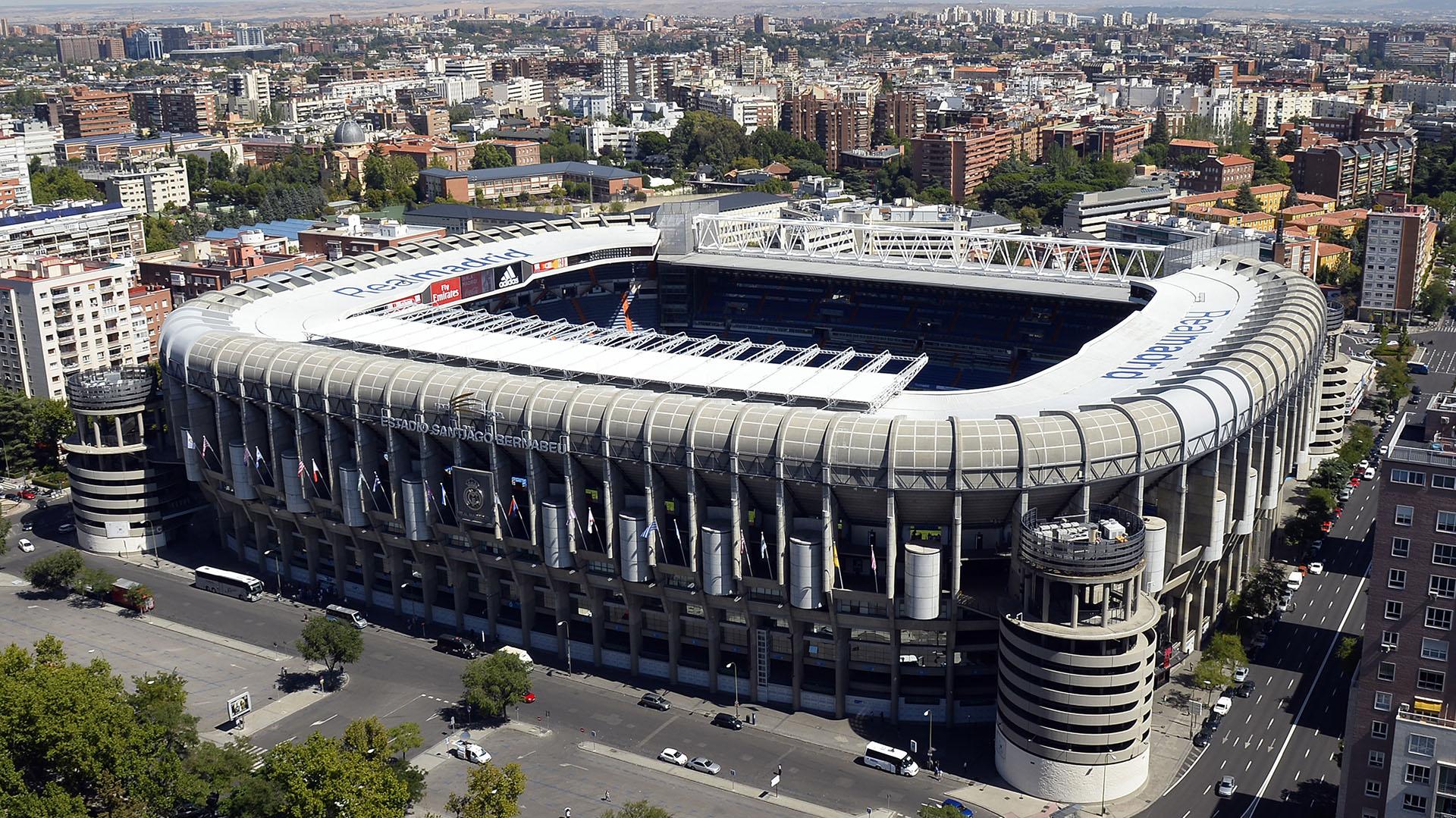 Estadio Santiago Bernabéu, donde el domingo se va a disputar la final de River Plate y Boca Juniors (AFP)