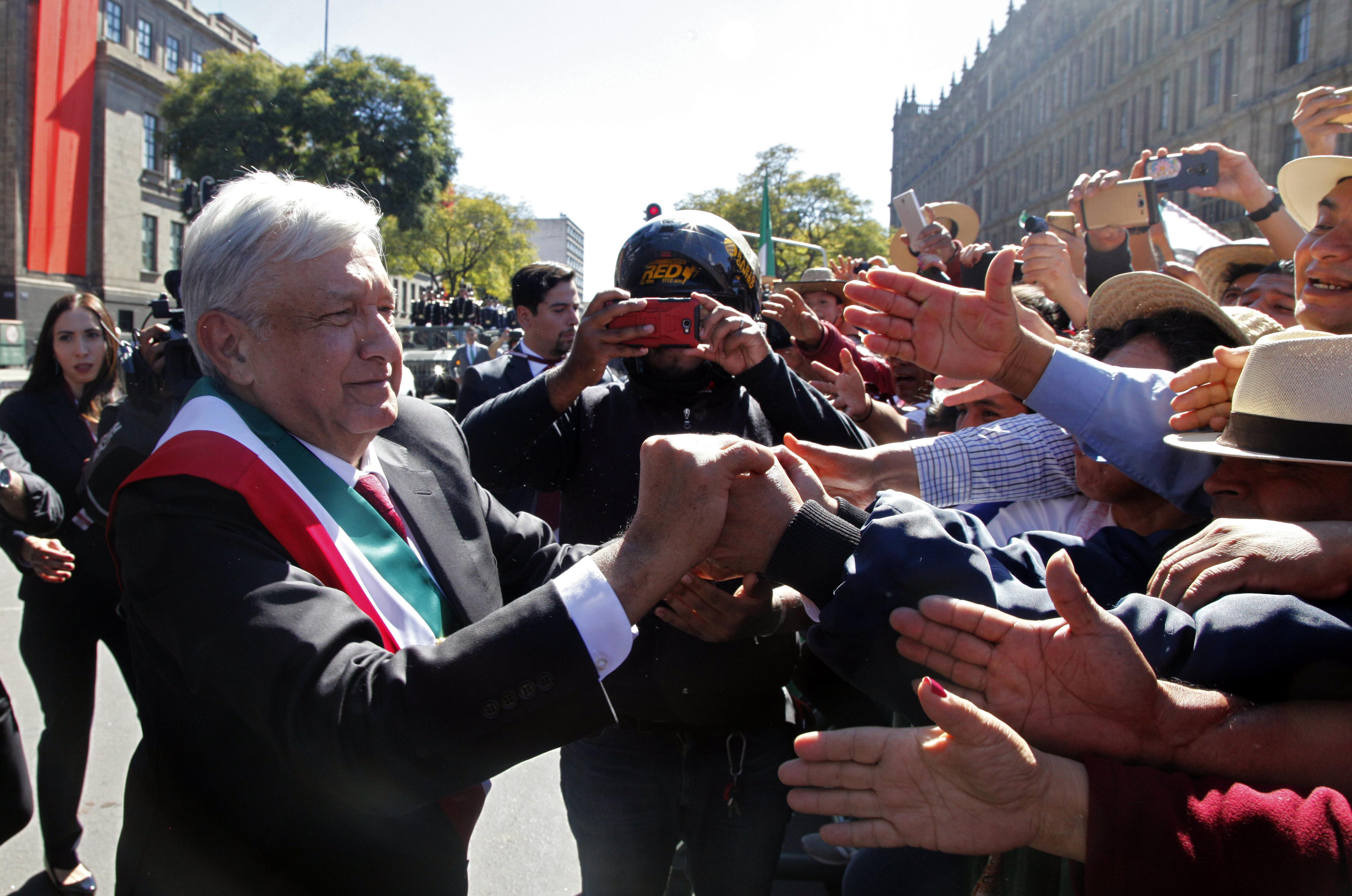 López Obrador pretende que nadie gane más que el presidente (Foto: Claudio Cruz / AFP)