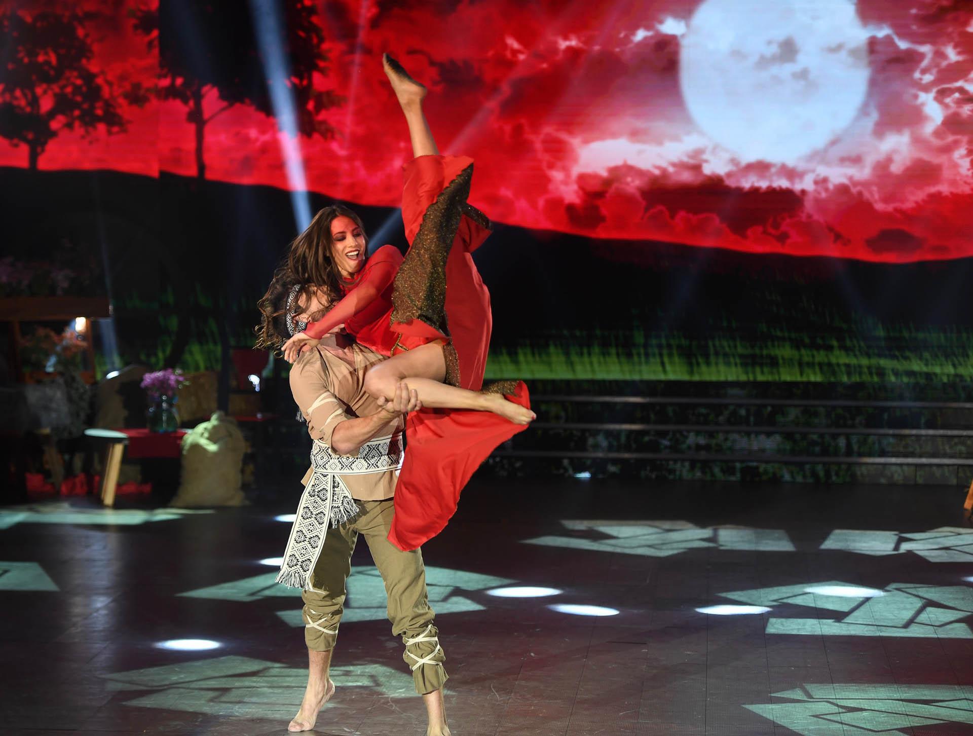 """Cinthia Fernández pasó un mal momento en la última gala del """"Bailando"""""""