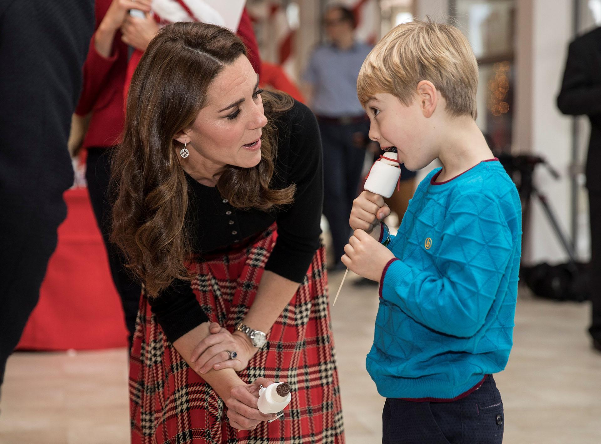 Catalina y Guillermo son padres de tres hijos, los príncipes Jorge, Carlota y Luis