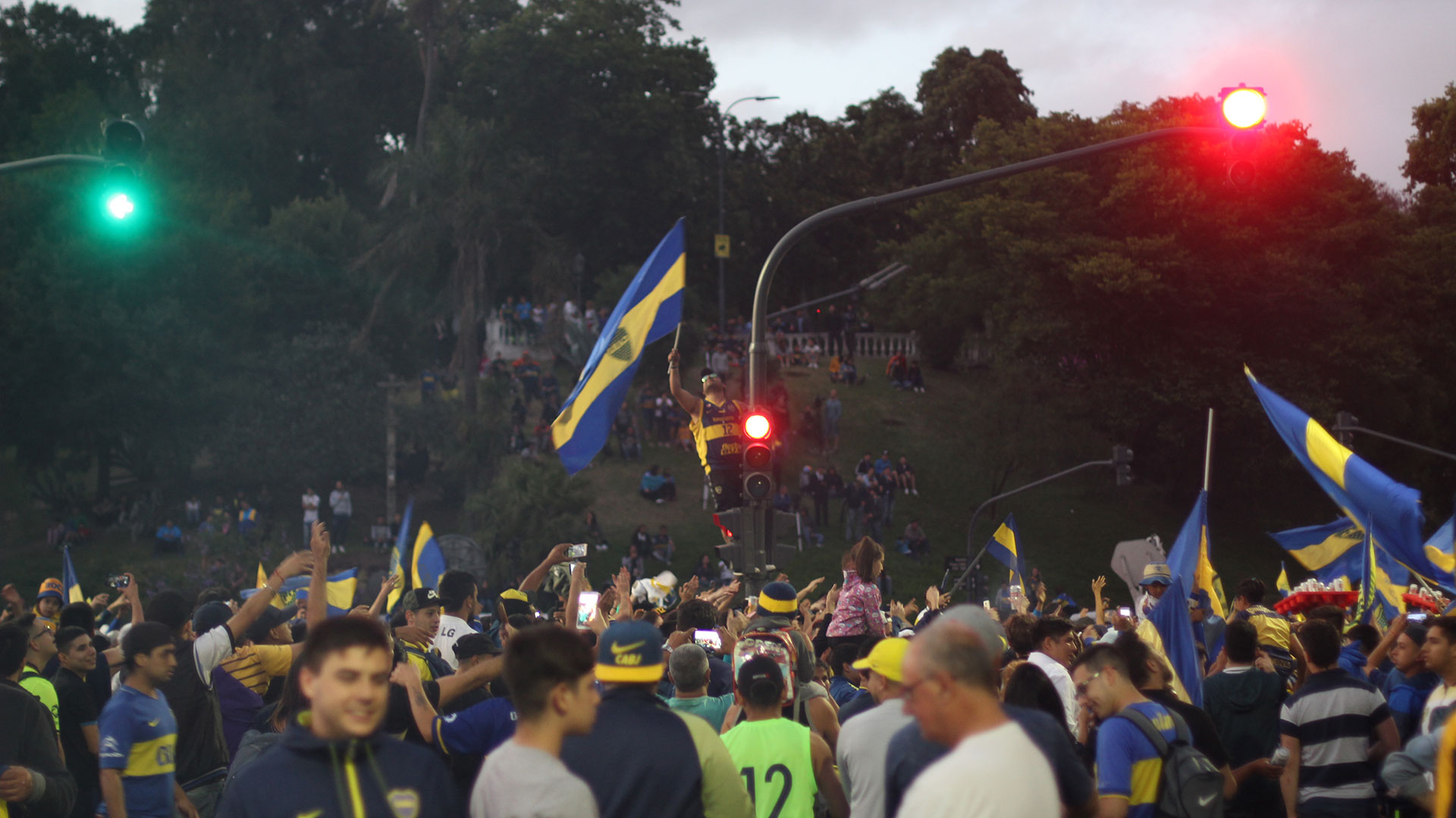 El próximo domingo, los xeneizes y los integrantes de la Banda paralizarán al planeta en busca de la convulsionada Copa Libertadores